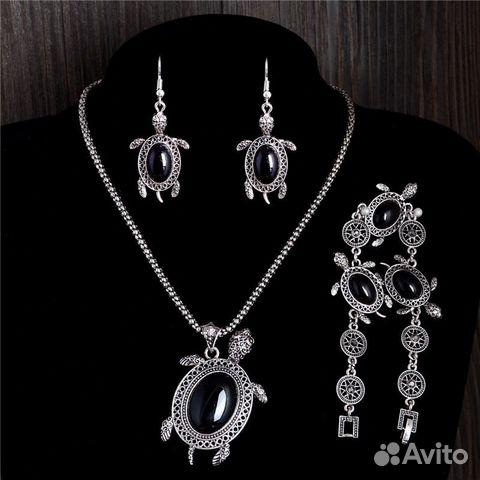 Комплект ювелирных изделий купить в Ростовской области на Avito ... 6e93d19ea48