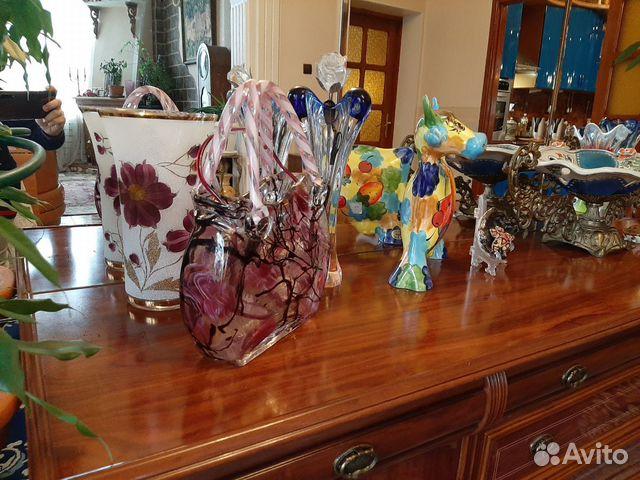 Vases, figurines