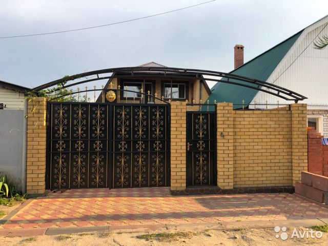 The cottage of 200 m2 on a plot of 3 cells. 89176292007 buy 2