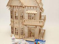 Кукольный домик в готическом стиле с обоями